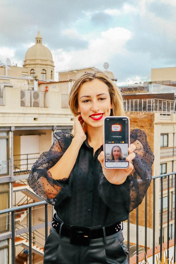 Ome TV Video Chat App – Meet strangers, make friends!