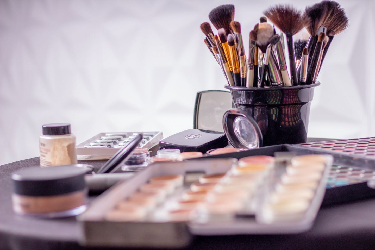 Factors You Need to Think about when Choosing your Makeup