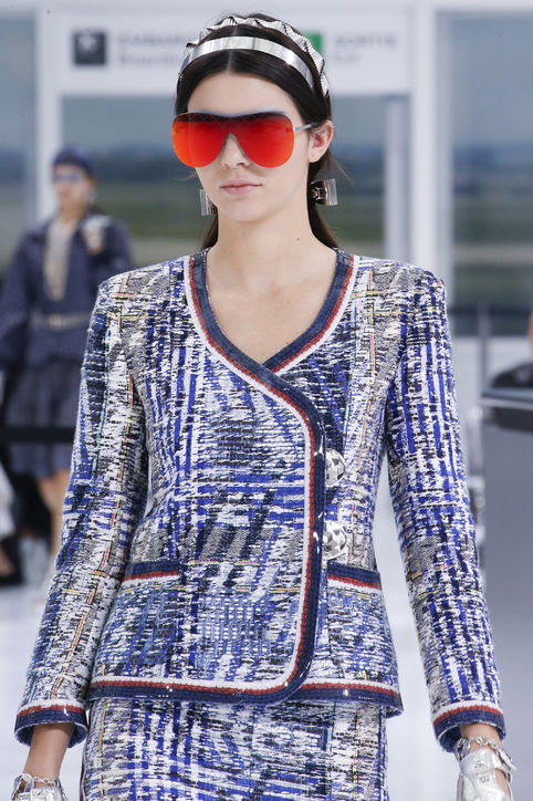 45-spring-2016-bags-accessory-jewelry-trends-modern-aviators-chanel–h724