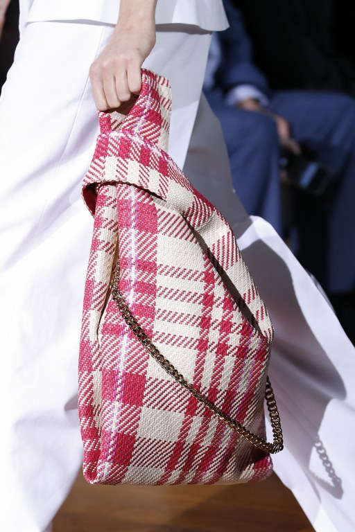 slideshow-spring-accessories-14-spring-2016-bags-accessory-jewelry-trends-slouchy-bags-stella-mccartney-main