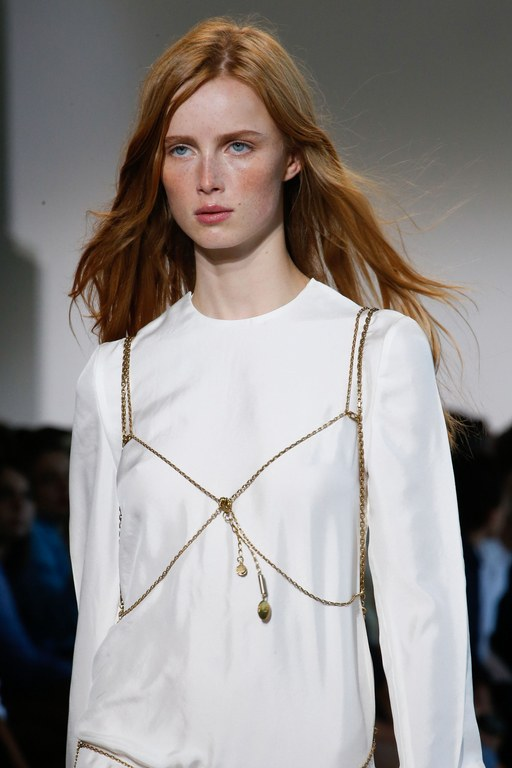 slideshow-spring-accessories-32-spring-2016-bags-accessory-jewelry-trends-body-chain-calvin-klein-main